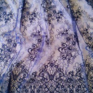Dantela tip Chantilly albastru inchis