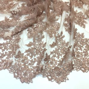 Broderie nude rose