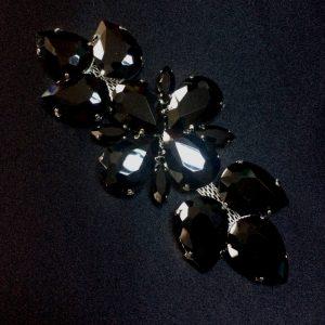 Accesoriu argintiu pietre negre