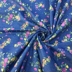 Denim albastru cu imprimeu floral