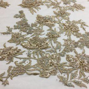 Broderie auriu-patinat accesorizata