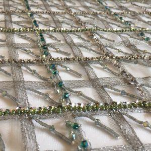 Broderie gri-argintiu verde accesorizata cu margele si paiete