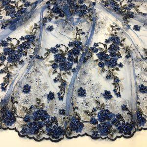 Broderie albastra accesorizata