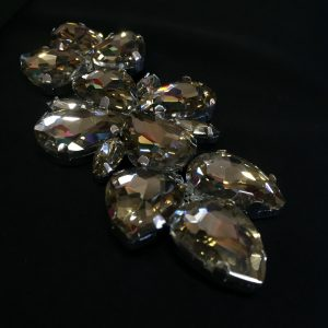 Accesoriu argintiu pietre auriu patinat