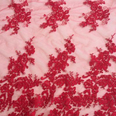 Broderie rosie cu bordura dubla