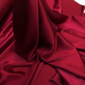 Satin de matase naturala cu elastan rosu-bordeaux