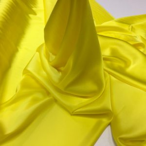 Satin de matase naturala cu elastan galben-lamaie