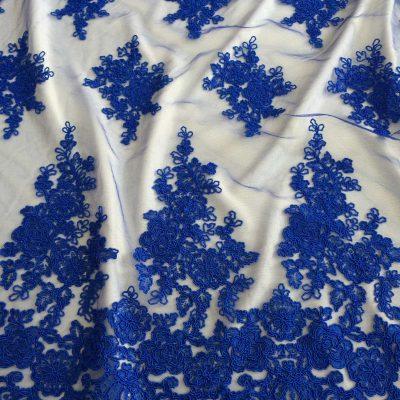 Broderie albastru-royal pe tulle