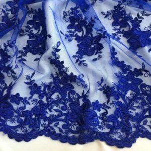 Broderie albastru-intens pe tulle