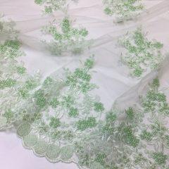 Broderie verde-menta accesorizata