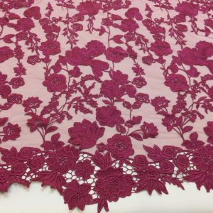 Broderie burgundy in panouri repetitive