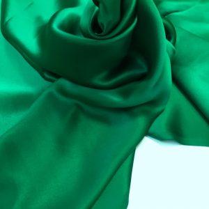 Satin de matase naturala fara elastan verde-smarald