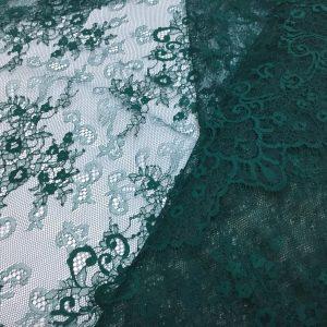 Dantela tip Chantilly verde-inchis
