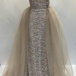 Broderie argintiu-lila accesorizata cu margele si perle