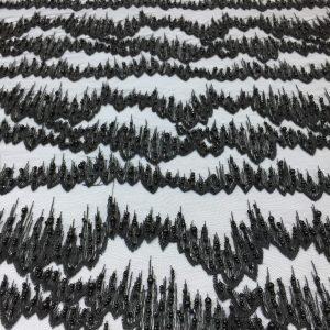 Broderie zig-zag neagra cu margele
