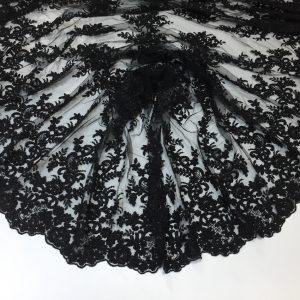 Broderie accesorizata neagra
