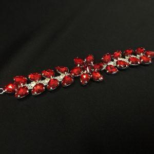 Accesoriu argintiu pietre rosii