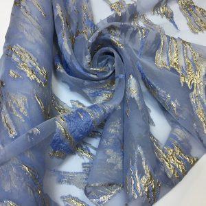 Organza bleu cu insertii lame auriu-patinat