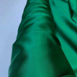 Satin de matase naturala cu elastan verde