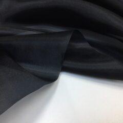 Organza neagra