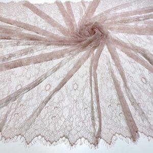 Dantela tip Chantilly roz pudra